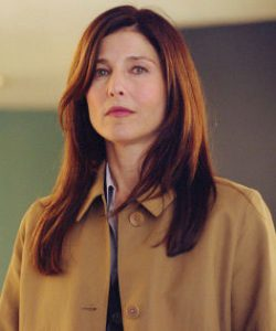 Catherine Keener as agent Dot Woods.